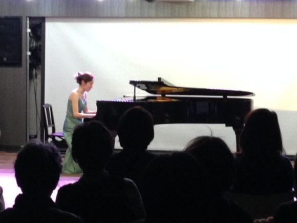 グランドピアノ のある コンサート会場