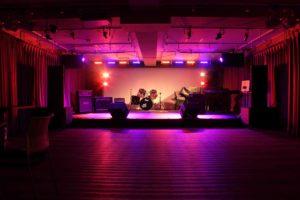 フリー素材 音部屋スクエア ステージ写真
